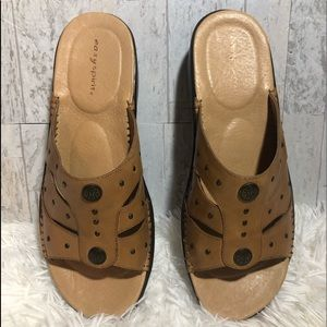 Sandals Easy Spirit slides brown leather nwot